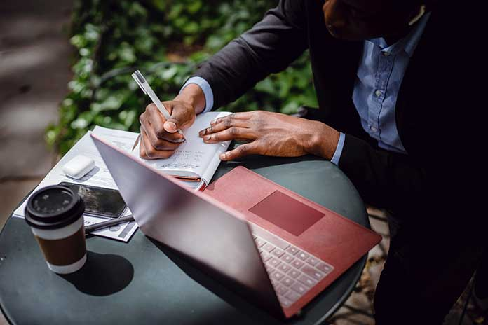 5-Tips-For-Writing-Articles-That-Engage-Your-Audience